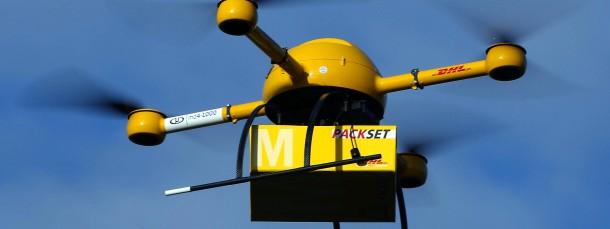 Auch die Deutsche Post testete im Dezember 2013 vor ihrer Bonner Zentrale, wie sich per Drohne Medikamente aus einer Apotheke zustellen lassen.