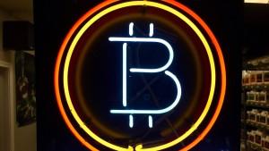 Bitcoin-Kurs fällt unter 10.000 Dollar