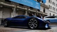 Ein Nio-Sportwagen an der Wall Street beim Börsengang des Unternehmens.