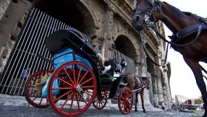 Aus für Roms umstrittene Pferdekutschen naht