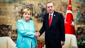 Kanzlerin Merkel trifft Erdogan