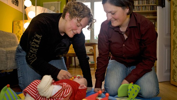 Deutscher Bundestag stimmt über geändertes Adoptionsrecht ab