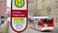 Haltestelle in Erfurt: Fernbusse fahren auf immer mehr Strecken in Deutschland.