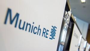 Munich Re hebt Dividende nach Milliardengewinn kräftig an