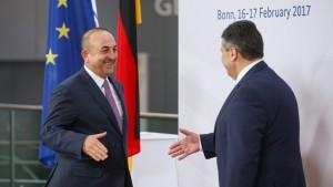 Deutsch-türkisches Krisentreffen der Außenminister in Berlin