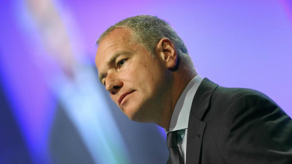 Börse-Chef Carsten Kengeter verteidigt umstrittene Aktienkäufe