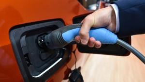 Privatleute sollen leichter Ladestationen für E-Autos aufstellen können