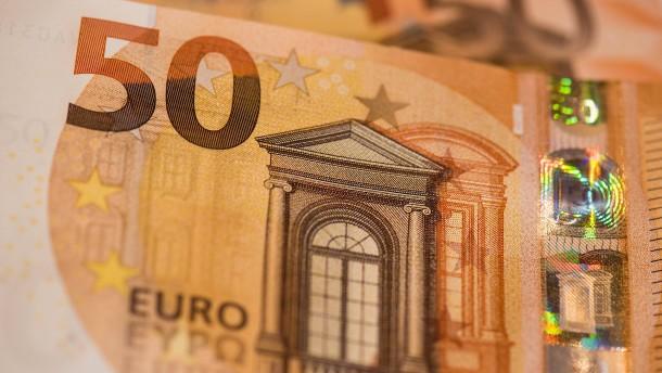 50-Euro-Scheine, Leiharbeit, Energielabel für Holzheizungen