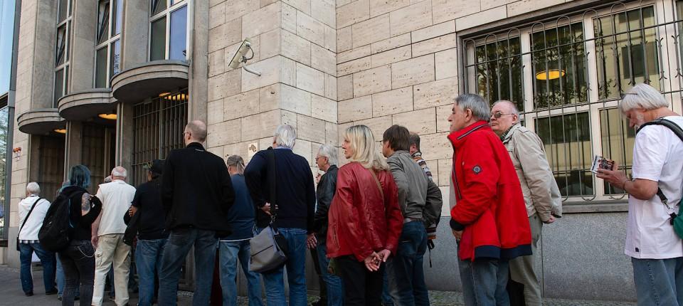 Fünf Euro Sondermünze Schlange Stehen Bei Der Bundesbank