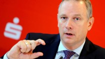 Der Präsident des Deutschen Sparkassen- und Giroverbandes, Georg Fahrenschon, rechnet mit der Anhebung des Renteneintrittsalters