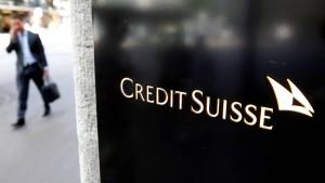 Credit Suisse warnt vor Wettbewerbsnachteil durch Negativzinsen