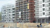 Neue Bauvorhaben in der Stadt wie hier in Frankfurt am Main sollen bald mit weniger Auflagen auskommen.
