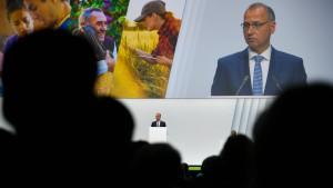 Bayer versucht das Aktionärsdebakel auszusitzen