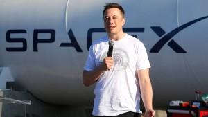 """Elon Musk auf Mission """"down-under"""""""