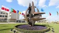 Nato-Minister diskutieren Anti-IS-Einsätze