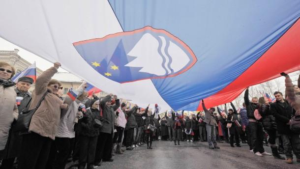 Slowenien will Anleihen früher ablösen