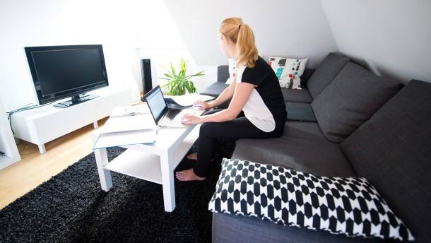 Arbeitsecke im Wohnzimmer bleibt Privatvergnügen
