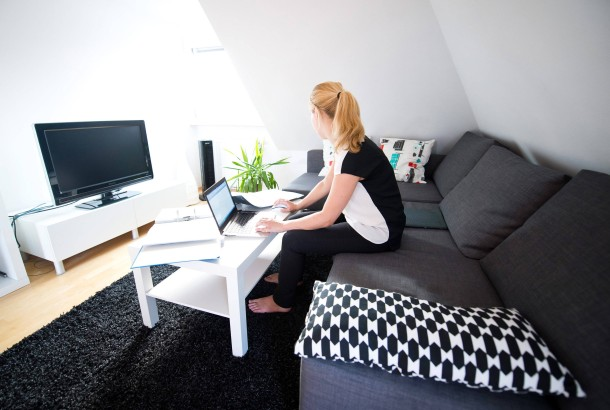 Bild Zu Arbeitsecke Im Wohnzimmer Bleibt Privatvergnugen Bild 1