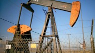 """Alte Ölquellen mit geringem Produktionsvolumen (""""Stripper Wells"""") gibt es in Kalifornien viele - wie hier in Taft."""