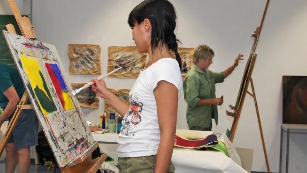 Kunst anschauen oder selbst zu Pinsel und Farbe greifen