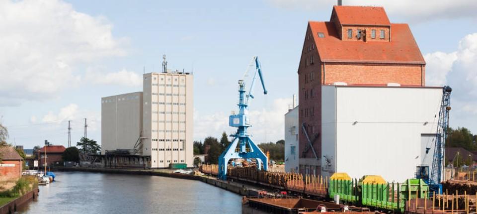 Berühmt KTG Agrar: Deutschlands größter Bauer erntet 600 Millionen Euro &WG_09