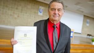 Rentner macht Abitur mit 72