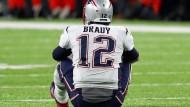 Tom Brady war laut Forbes 2016 die Nummer 15 unter den bestbezahlten Sportlern der Welt. Nach einem Skandal um schlecht aufgepumpte Bälle verschwand er aus der Liste.