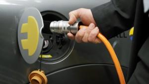 Rennen um Markt für Elektroauto-Batterien