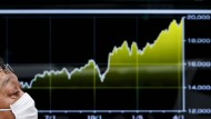 Japans Leitindex Nikkei stieg erstmals seit April 2000 wieder über die 20.000er-Marke
