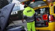 Versicherer bei Pannenhilfe meist günstiger als Automobilclubs