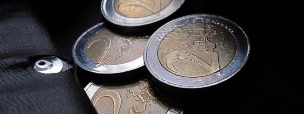 Der flächendeckende Mindestlohn und eine leichte Steuerentlastung machen sich im Geldbeutel bemerkbar.