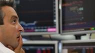 Deutsche Bank-Aktien fallen auf Rekordtief