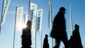 Umbaupläne schieben Siemens-Aktien an