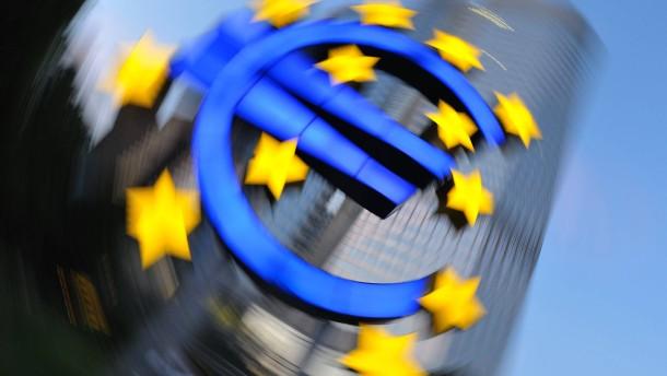 Zwang zum Geld drucken dürfte Euro drücken