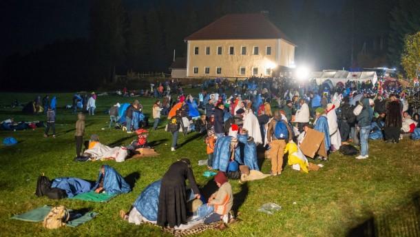 Noch mehr Flüchtlinge an der österreichisch-deutschen Grenze