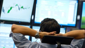 Warum Anleger einen Schritt zurücktreten sollten