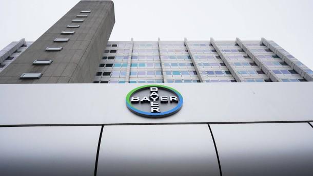 Bayer lässt den Dax im Plus starten