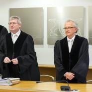 """""""Die Berufungsklage wird zurückgewiesen"""", gab Richter Gerhard Ruf (Mitte) am Donnerstag im Stuttgarter Oberlandesgericht bekannt."""