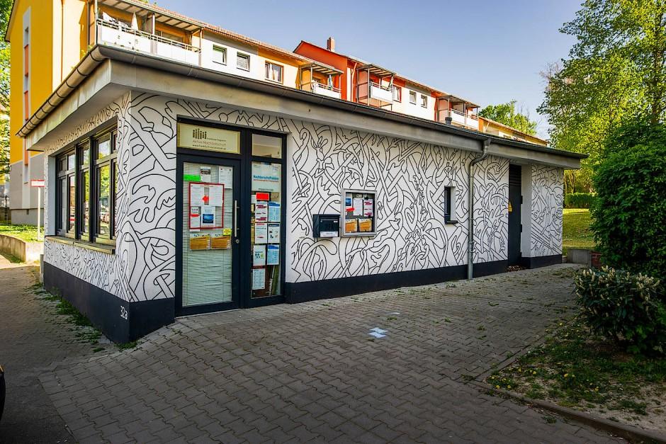 Das Nachbarschaftsbüro in Preungesheim in einem ehemaligen Kiosk.