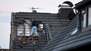 Unwetterschäden rasch der Versicherung melden!