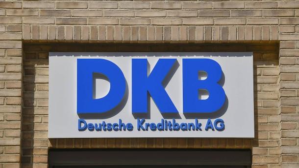 Auch DKB verlangt Negativzinsen ab 50.000 Euro