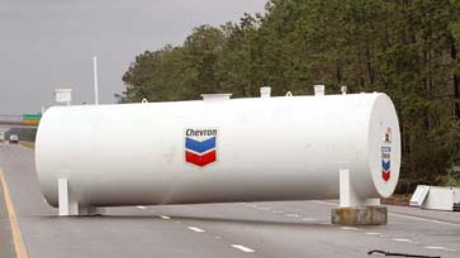"""Auch Chevron hat von """"Katrina"""" einiges abbekommen."""