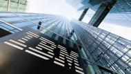 IBM enttäuscht die Börse mit einem Umsatzrückgang im vergangenen Quartal.