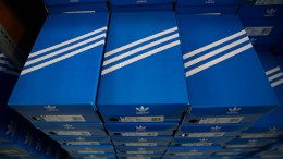 Adidas-Aktienkurs fällt nach Markenurteil