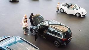 Beim Autokauf geht es nicht nur um das Fahrzeug selbst: Auch das Finanzielle will wohlüberlegt sein.