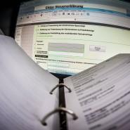 Spart Bürokratie: Die pauschale Abgeltungsteuer ist ein einfaches Instrument.