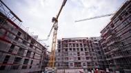 Von Januar bis September 2014 wurden 212.600 neue Wohnungen genehmigt.