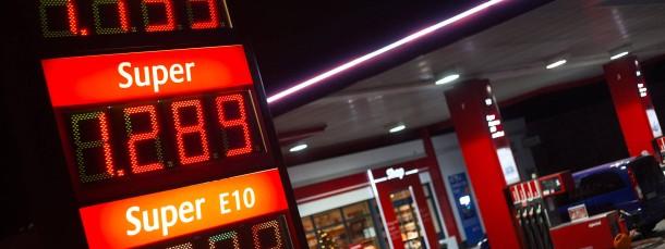 Der niedrige Ölpreis stärkt die Kaufkraft der Deutschen und schiebt die Konjunktur an.