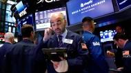 Nicht nur an der New Yorker Wall Street sind in diesen Tagen die Händler angespannt.