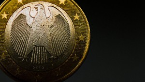 International hat der Euro noch zu kämpfen